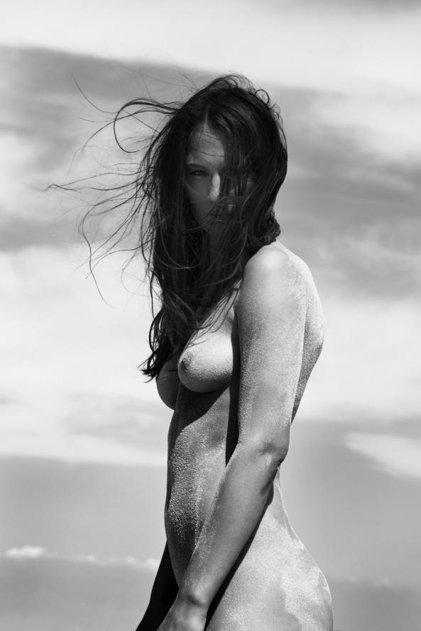 Laura By Niklas Hoejlund For Euroman Magazine Txxx Com 1